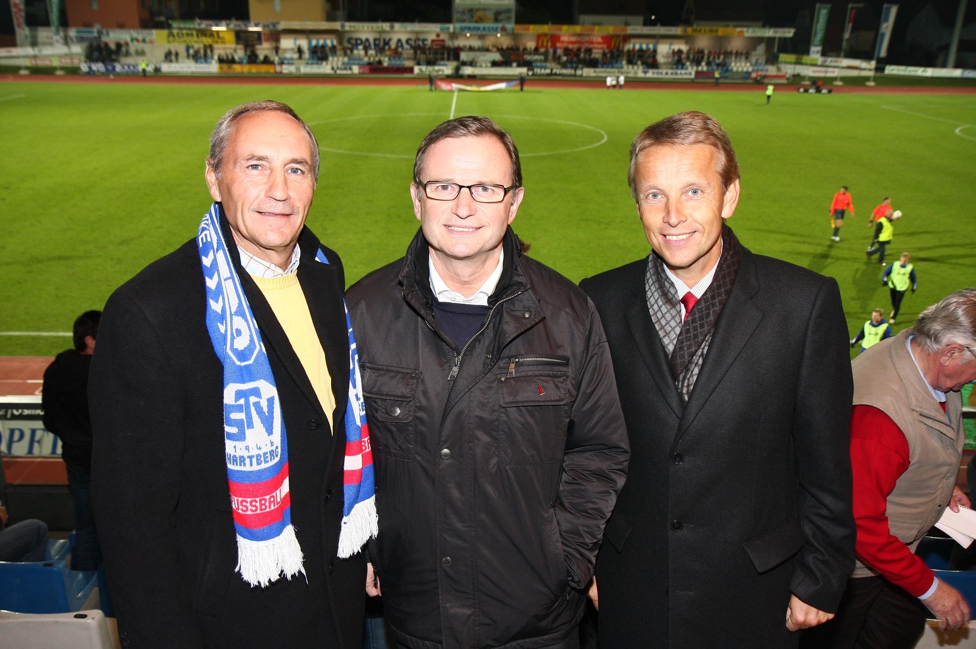 Mit Klubobmann Karlheinz Kopf beim Match zwischen Altach und Hartberg (C) Büro StS