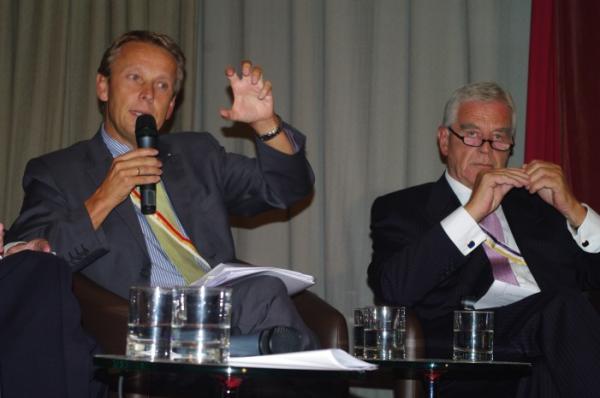 Mit Ex-OeNB-Gouverneur Klaus Liebscher (C) Austria Innsbruck
