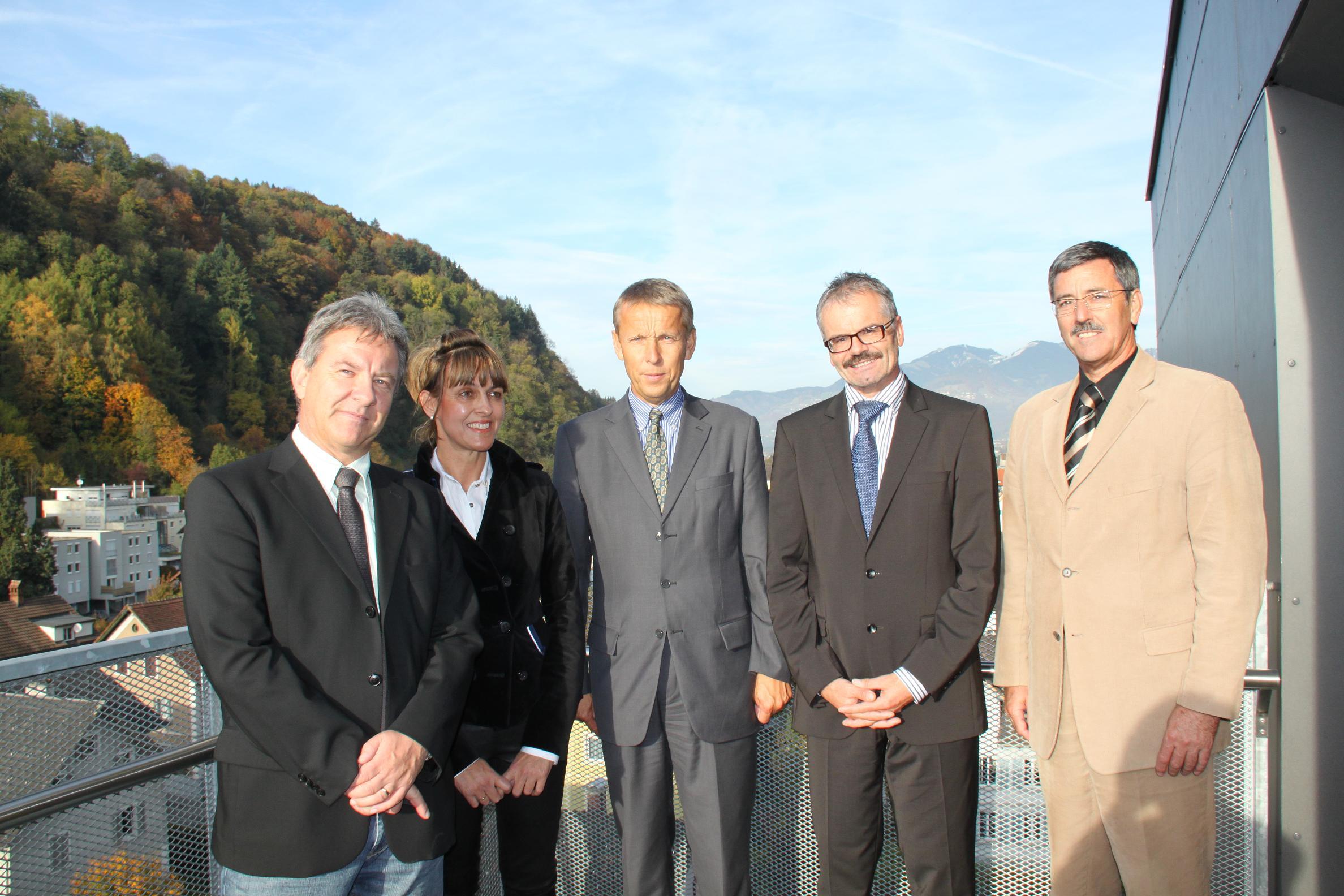 Zu Besuch im Finanzamt Feldkirch mit Peter Hosp, Vorständin Brigitte Metzler, Vorstand Franz Krug und Stadtrat Wolfgang Matt (C) Sven Pöllauer