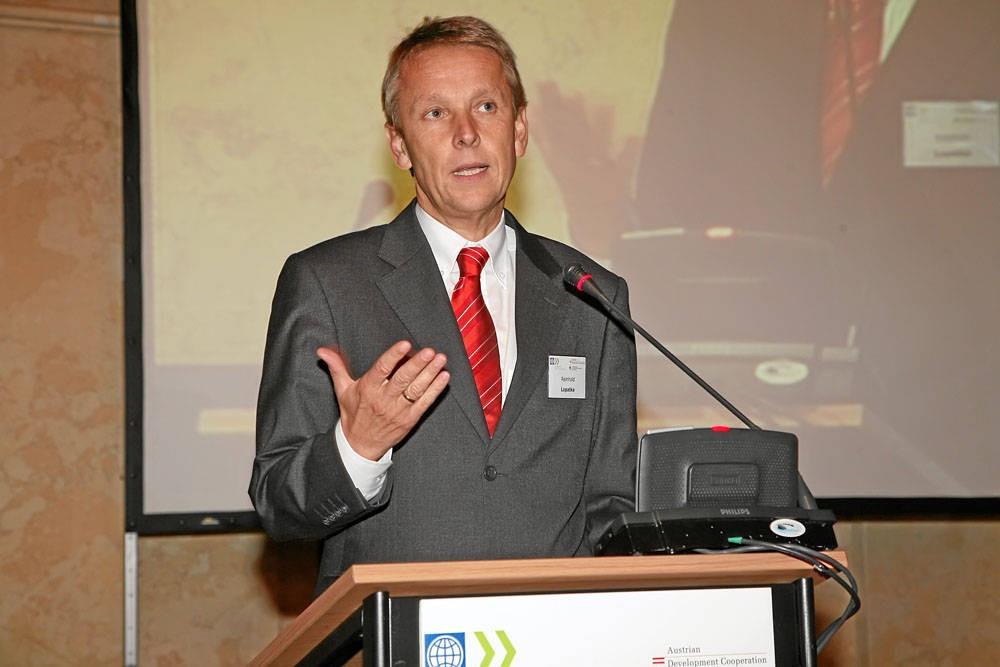 Bei der REPARIS-Konferenz (C) Weltbank