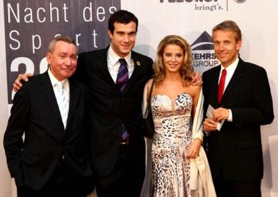 Vor der Preisverleihung: Mit Schwimmstar Markus Rogan, Christine Reiler und OSV-Präsident Paul Schauer (C) GEPA pictures / Walter Luger