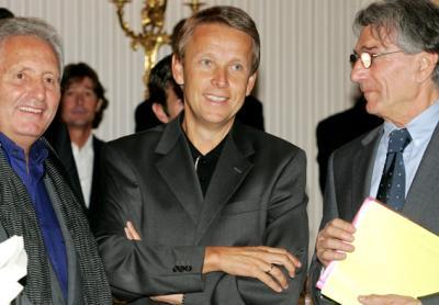 Mit ÖSV-Pressesprecher Joe Schmid und ÖSV-Generalsekretär Klaus Leistner bei der Präsentation der Mode des Austria Ski Teams für die Saison 2008/09 (C) GEPA pictures / Mario Kneisl