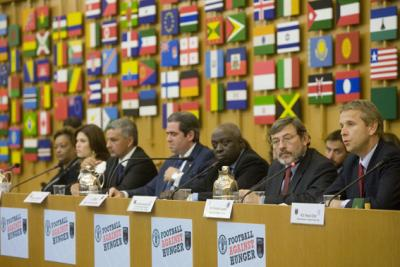 """Anlässlich des Welternährungstages 2008 wurde das Projekt """"Profi-Fußball gegen Hunger"""" aus der Taufe gehoben (C) FAO"""