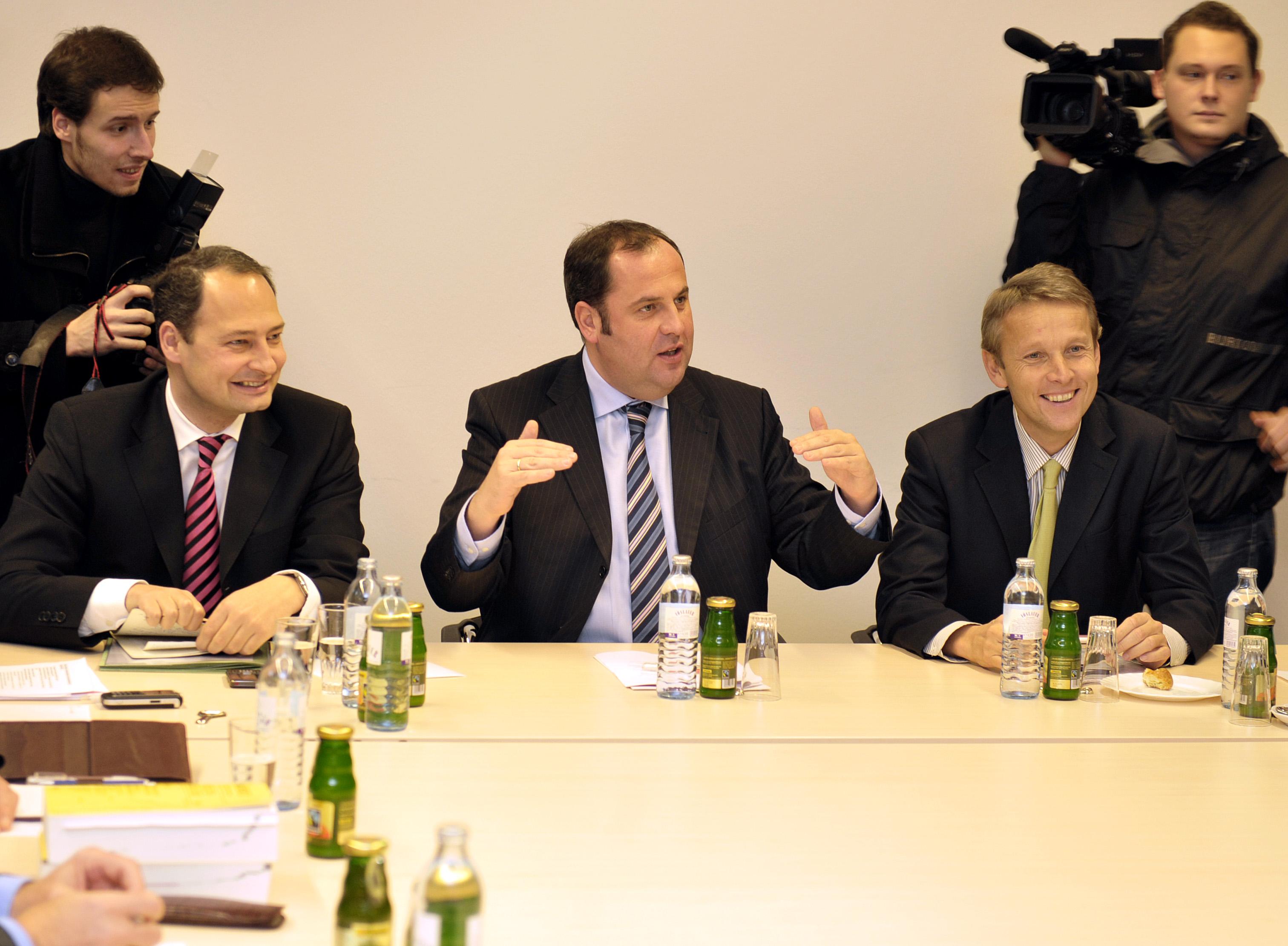 Gute Erfolge beim Spendengipfel: BM Josef Pröll und die Staatssekretäre Reinhold Lopatka und Andreas Schieder (C) BMF