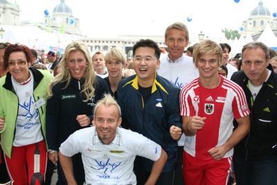 Beim Start des Samsung-Laufes bei dem pro Starter je ein Euro an die Sporthilfe gespendet wurde (C) StS Sport