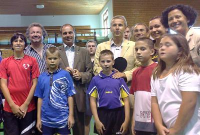 Während des Besuchs des Union Tischtennisvereins Pinkafeld wurde ich prompt von einem 7-jährigen zu einer Partie herausgefordert (C) StS Sport