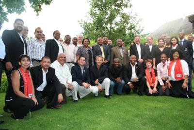 Während ihres Besuches anläßlich der WM 2010 in Südafrika tourte die Delegation auch in die Team Base Camps und überzeugte sich selbst beim Besuch verschiedener Public Viewings welche Begeisterung so ein sportlichen Großereignis in sich trägt (C) StS Sport