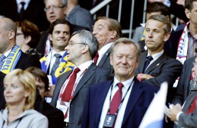 Barrierefreiheit garantiert Fußballgenuss in allen Stadien wie in Innsbruck beim Spiel Russland - Schweden mit Prinz Carl Philip von Schweden, UEFA-Generalsekretär David Taylor und ÖOC-Präsident Leo Wallner (C) GEPA pictures / Oskar Höher