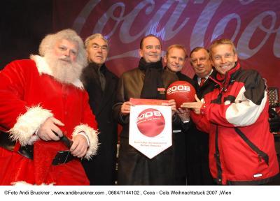 Beppo Mauhart, Herbert Prohaska, Heinz Palme, Alfred Ludwig, Reinhold Lopatka - Coca-Cola Weihnachtstruck in Wien 2007. (C) Andi Bruckner