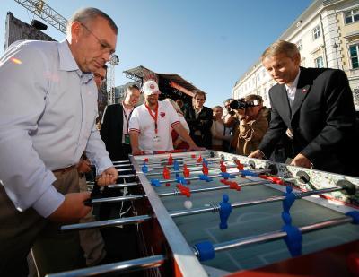 Bundeskanzler und Sportstaatssekretär im Einsatz für die UEFA EURO 2008 (C) HBF / Andy Wenzel