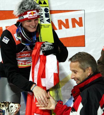 """Gratulation an unseren Überflieger """"Morgi"""" (C) GEPA pictures / Wolfgang Jannach"""