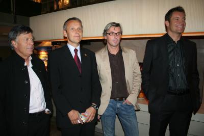 Staatssekretär Lopatka und ÖSV-Präsident Schröcksnadel mit den Autoren (C) StS Sport