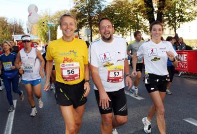 """Mit """"Kleine Zeitung""""-Sportredakteur Thomas Plauder kurz vor dem Ziel des Marathons in Graz (C) GEPA pictures / Franz Pammer"""