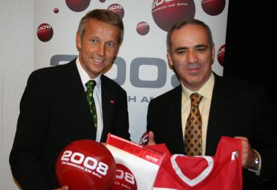 """Garri Kasparow ist neuer """"Botschafter der Leidenschaft"""" (C) StS Sport"""
