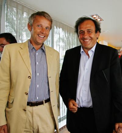 """Persönliches Treffen mit UEFA-Präsident Michel Platini vor dem abendlichen Finalspiel der U19-EM in Oberösterreich. In gemütlicher Runde wurden die Vorbereitungen auf dei EURO 2008 besprochen, die zur Freude von Michel Platini """"voll auf Schiene"""" sind (C) GEPA Pictures"""