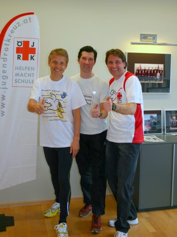Laufen und Gutes tun - Werbung für den Friedenslauf mit Michael Dorfstätter und Michael Langer (C) Jaitner