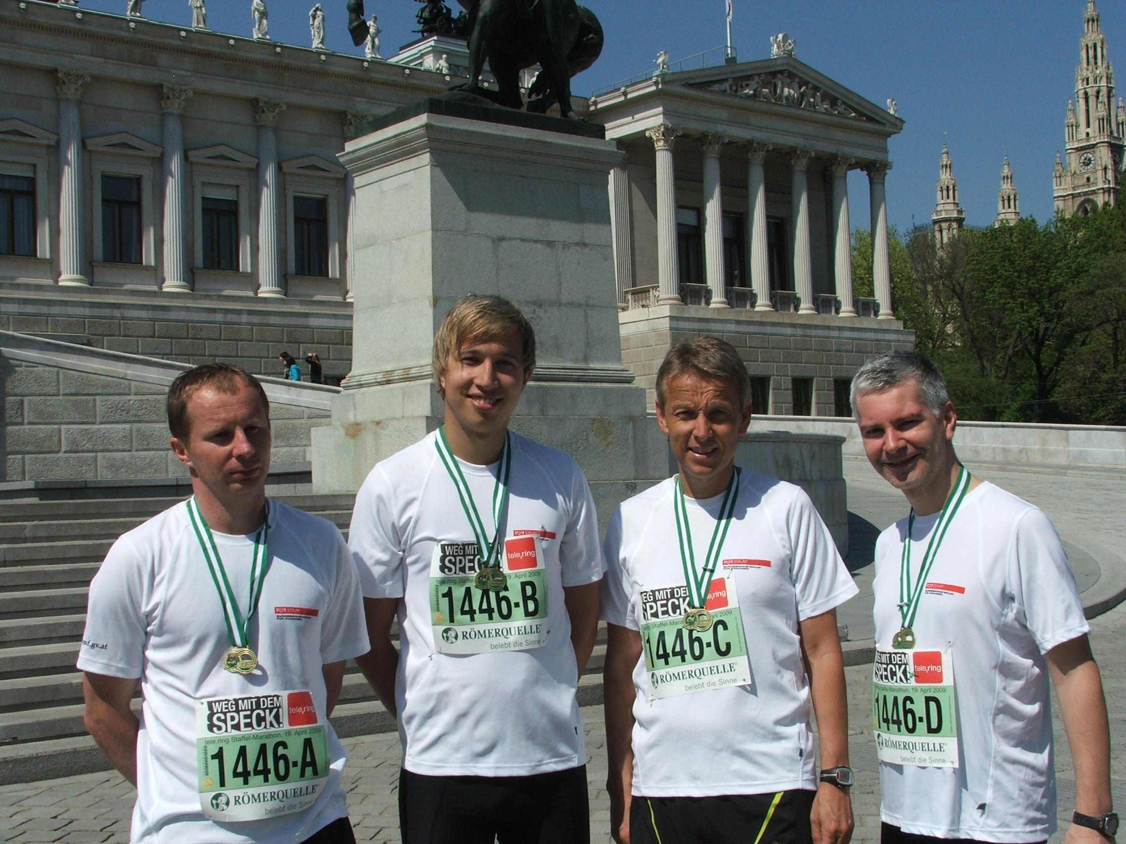 Die erfolgreiche BMF-Laufstaffel mit Kurt Nöhrer, meinem Sohn Philipp und Otto Aiglsperger (C) Aiglsperger