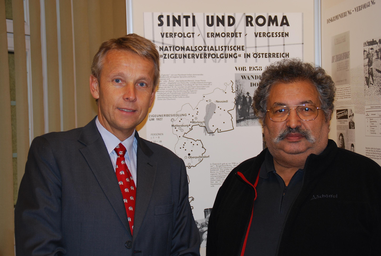 Mit Roma-Vertreter Rudolf Sarközi (C) Kulturverein österreichischer Roma