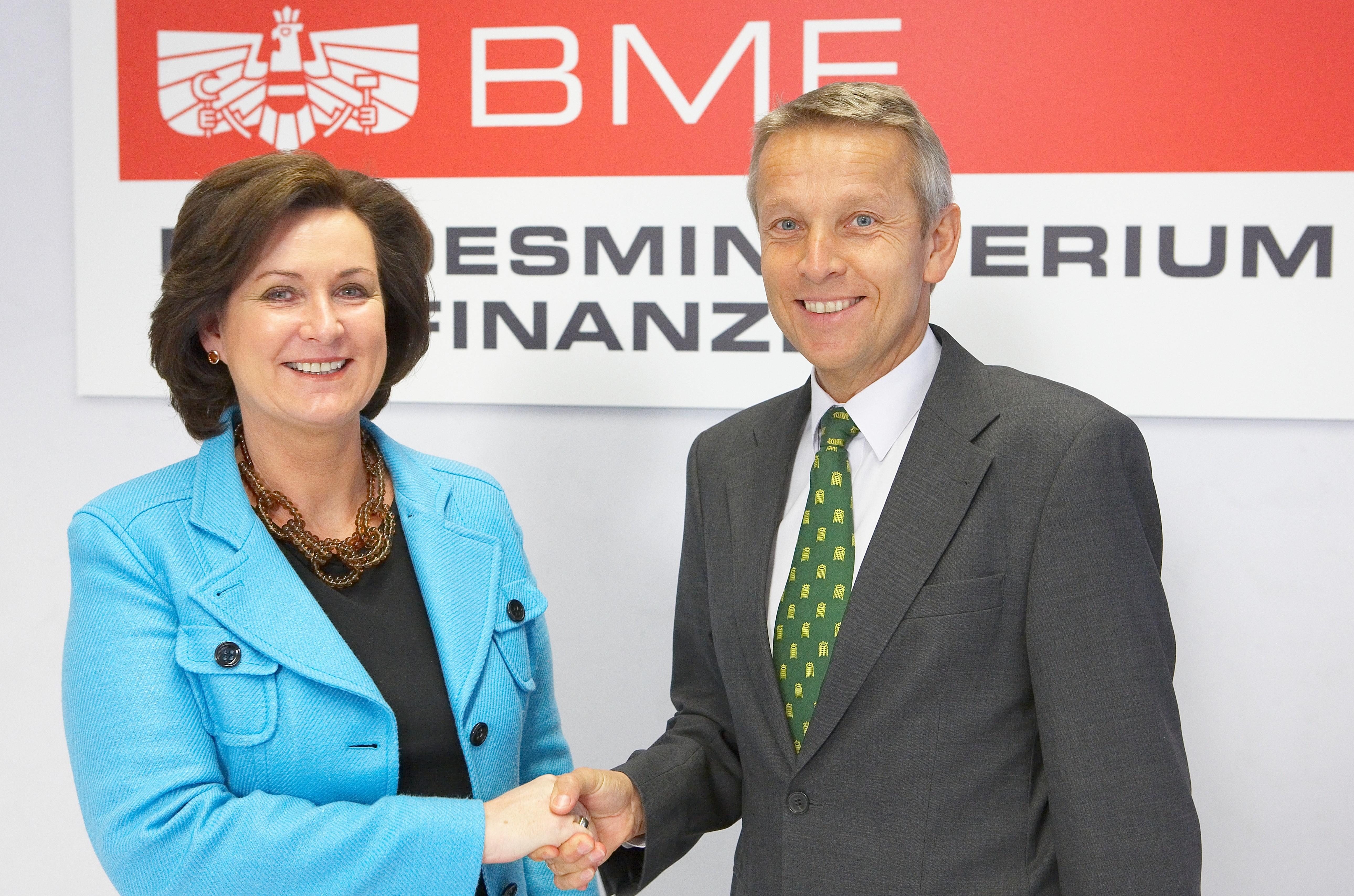 Mit Suchtexpertin Dr. Doris Kohl (C) BMF