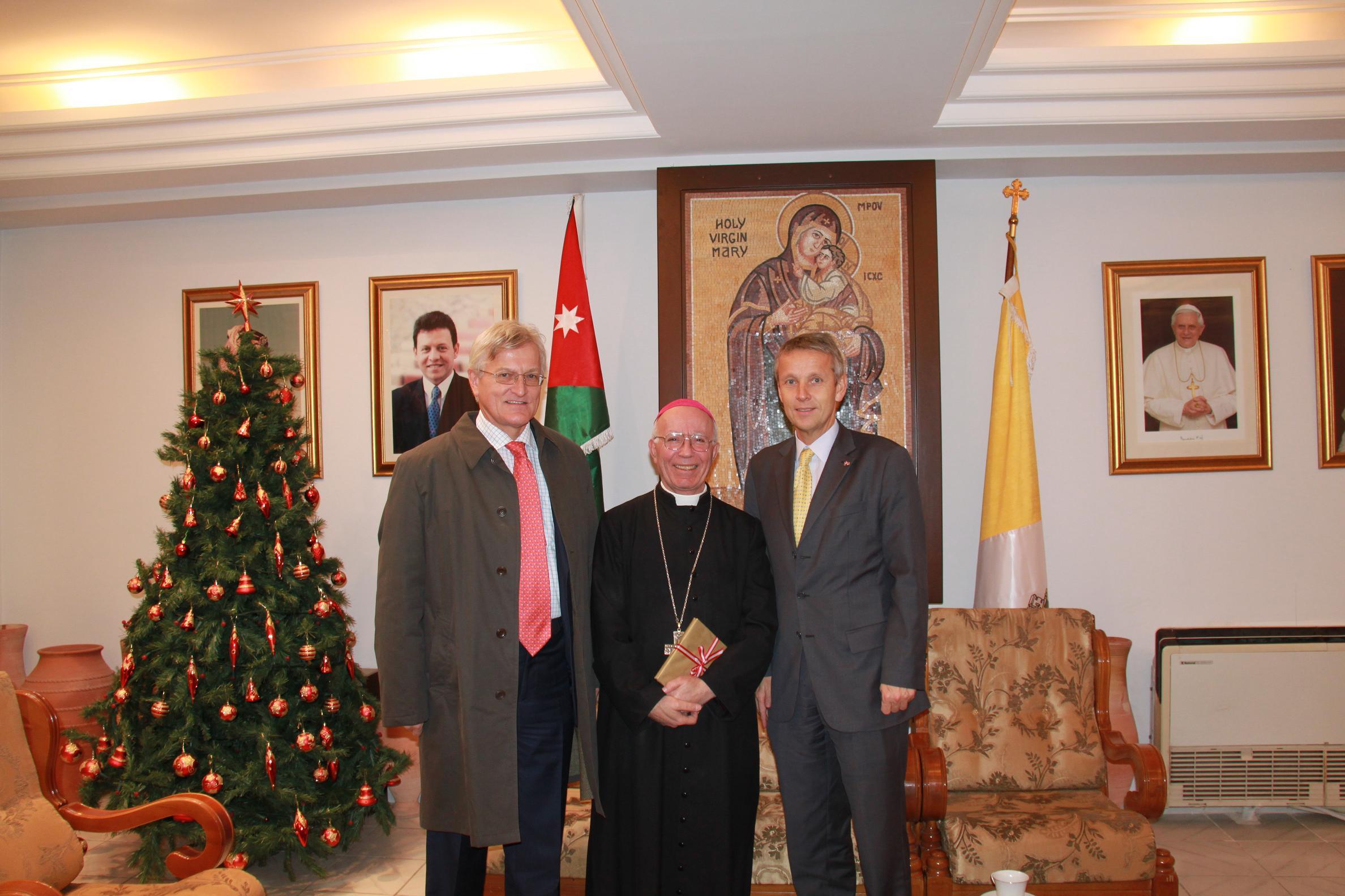 Mit dem Bischof von Jordanien (C) Sven Pöllauer