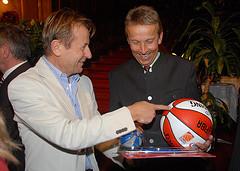 Mein Vorgänger als Sportstaatssekretär und Präsident des Basketballverbandes Karl Schweitzer (C) Alfons Kowatsch