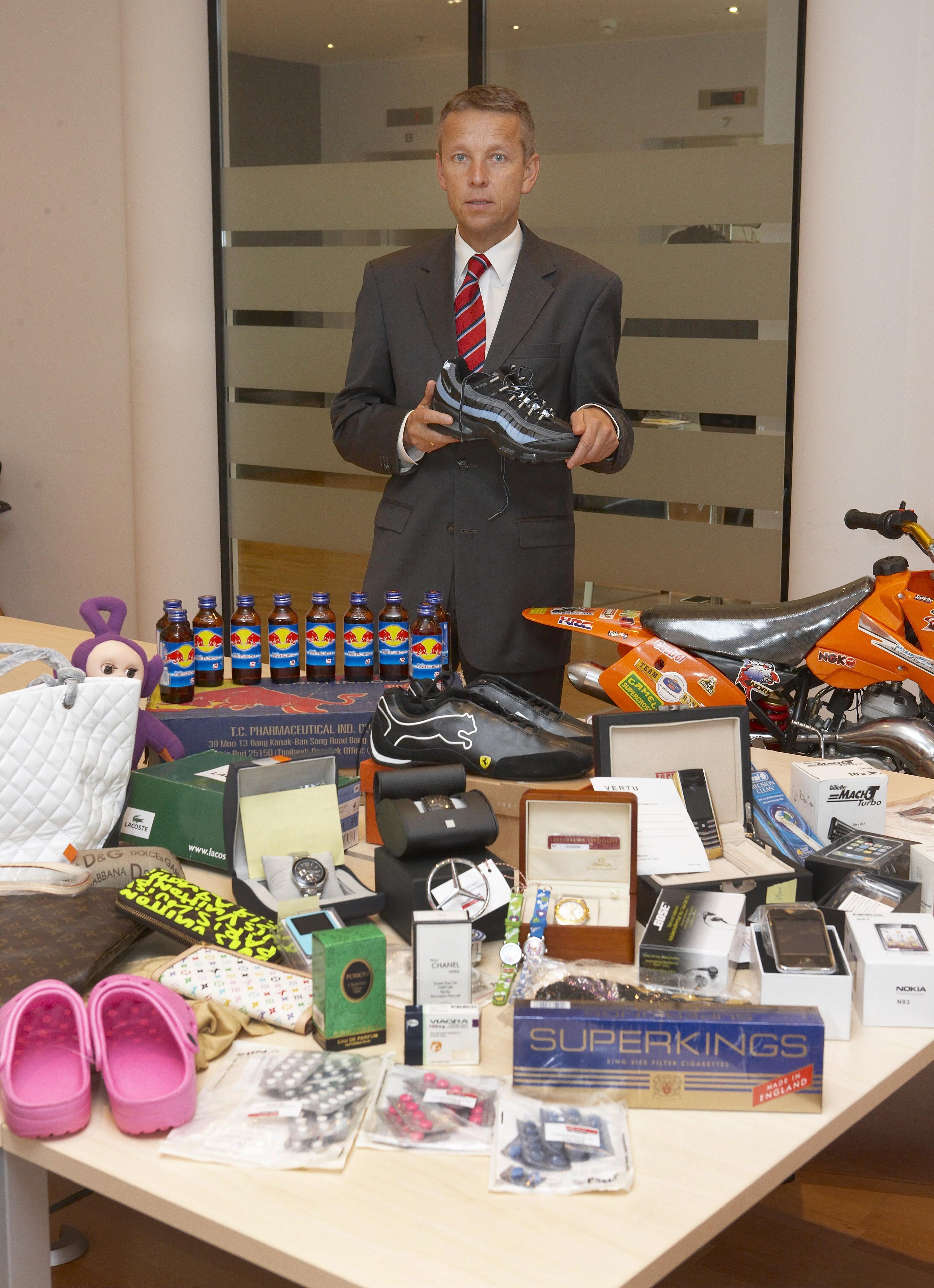 2516 Mal wurden 2009 gefälschte Produkte beschlagnahmt - ein großer Erfolg für den österreichischen Zoll (C) BMF