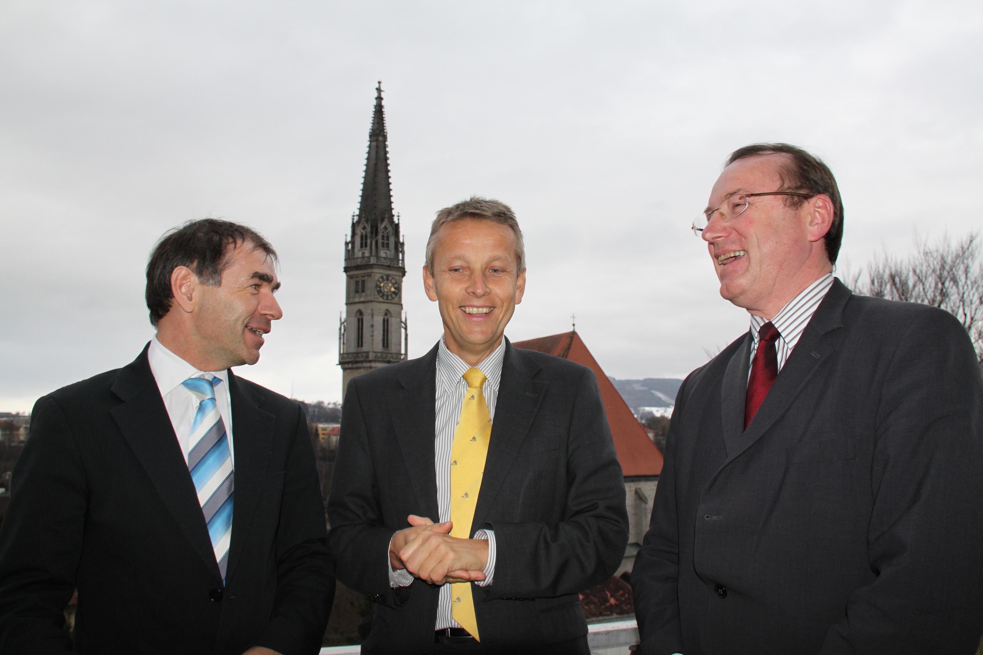 In Steyr mit Finanzamts-Vorstand Walter Littringer und Nationalratsabgeordneten Johann Singer (C) Sven Pöllauer