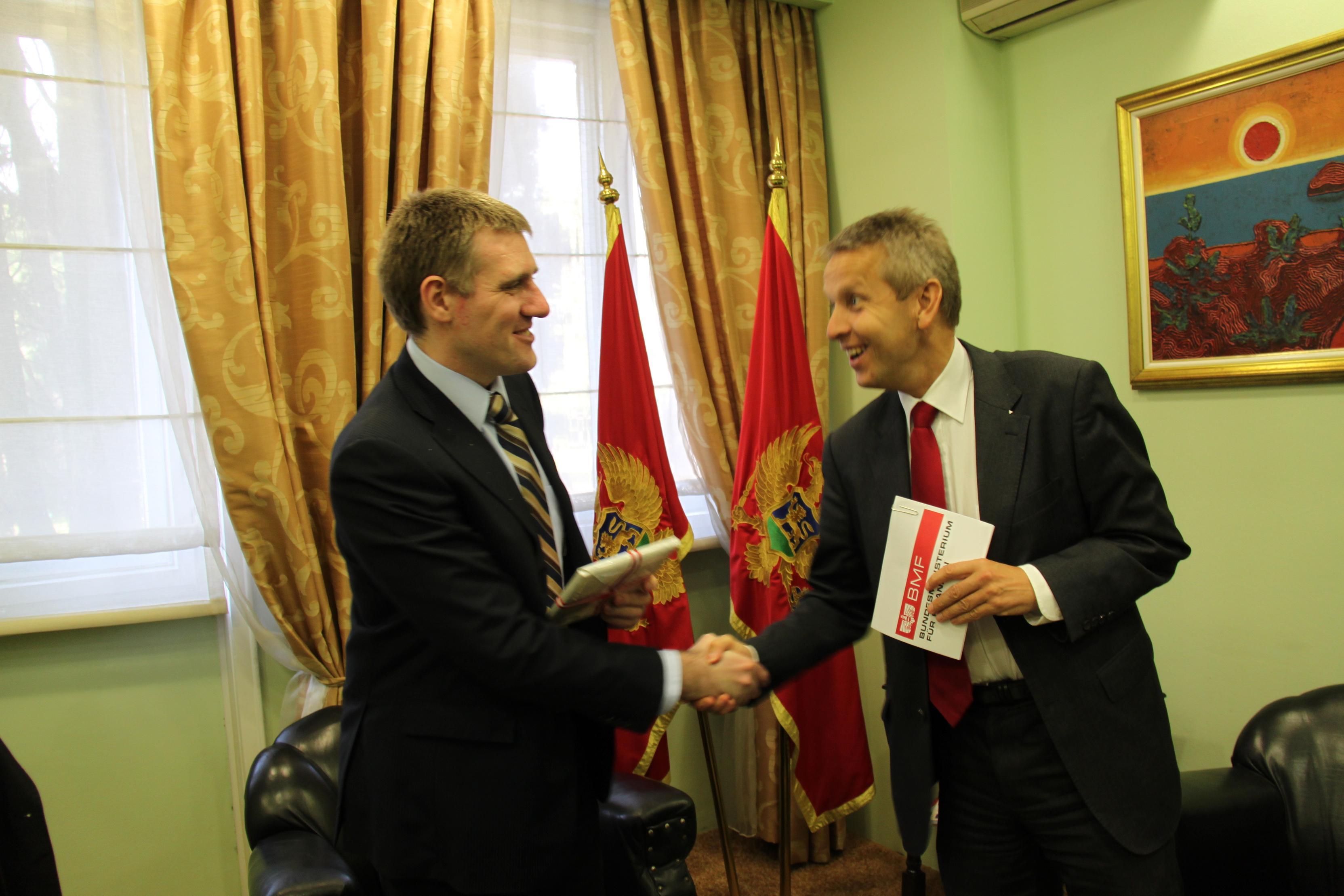 Mit Finanzminister Igor Luksic (C) Sven Pöllauer