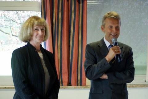 Mit der Frauenbeauftragten der Finanzverwaltung Elfriede Fritz (C) BMF