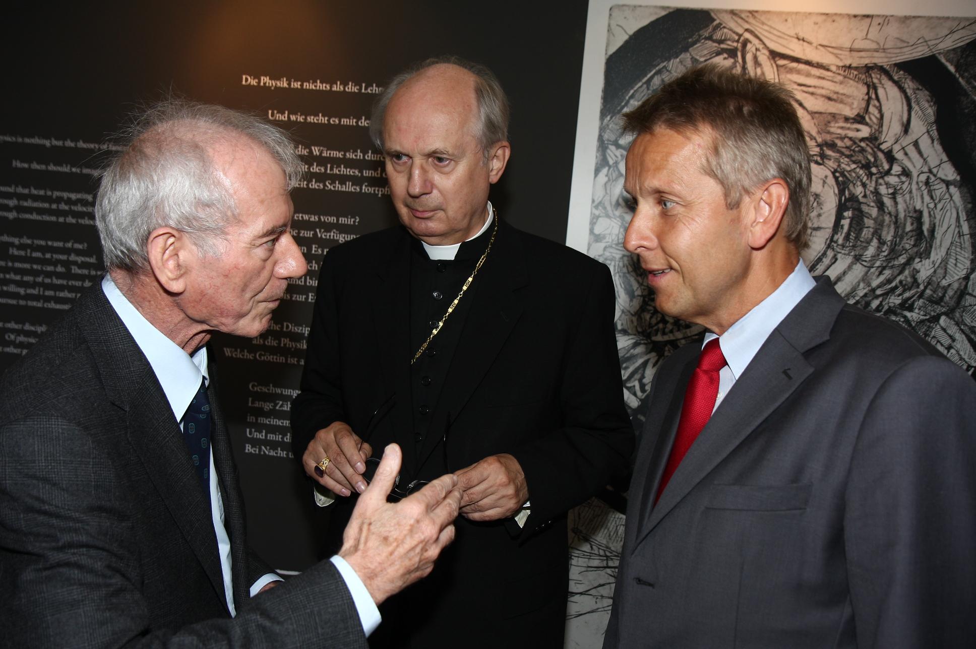 Interessante Gespräche mit Diözesanbischof Egon Kapellari und Peter Schuster von der Victor-Franz-Hess-Gesellschaft (C) Büro StS