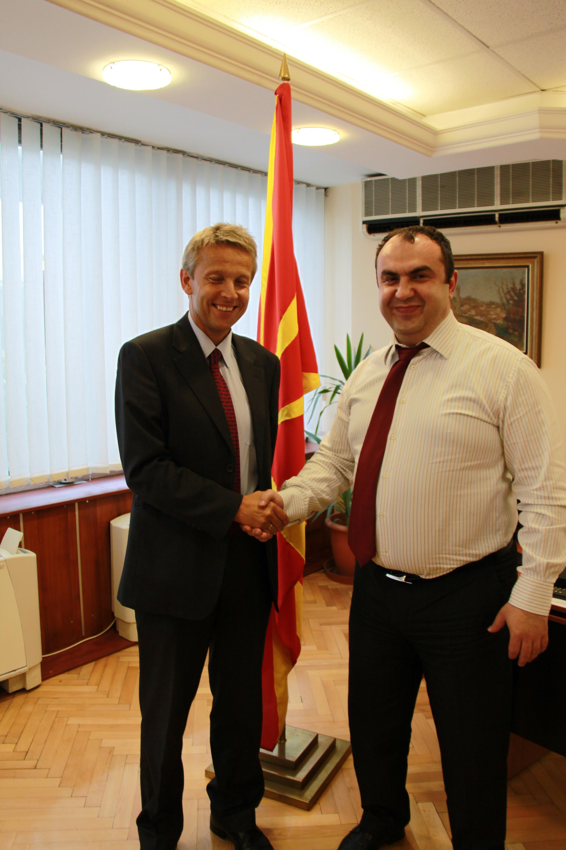 Mit Vize-Premierminister Vlado Peševski (C) Sven Pöllauer