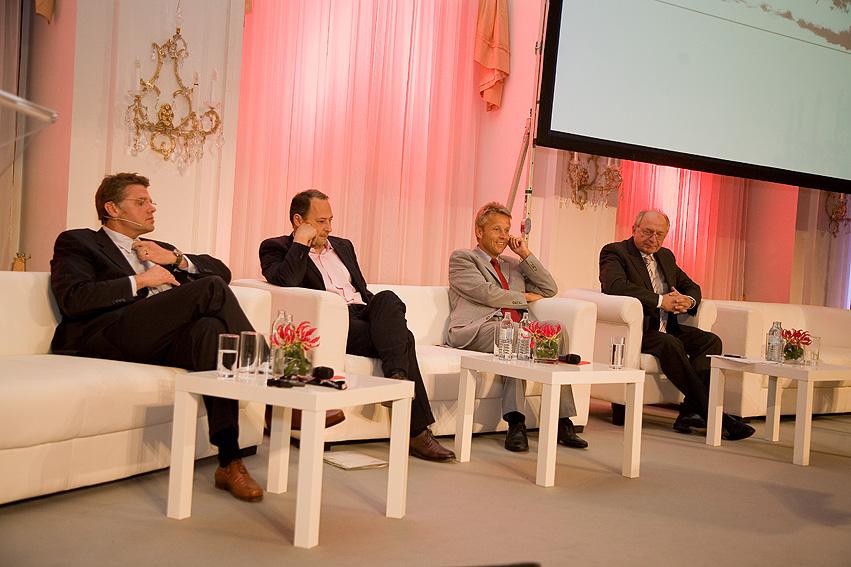 Spannende Diskussion mit Matthias Karmasin, Andreas Schieder und Bernhard Felderer (C) BRZ