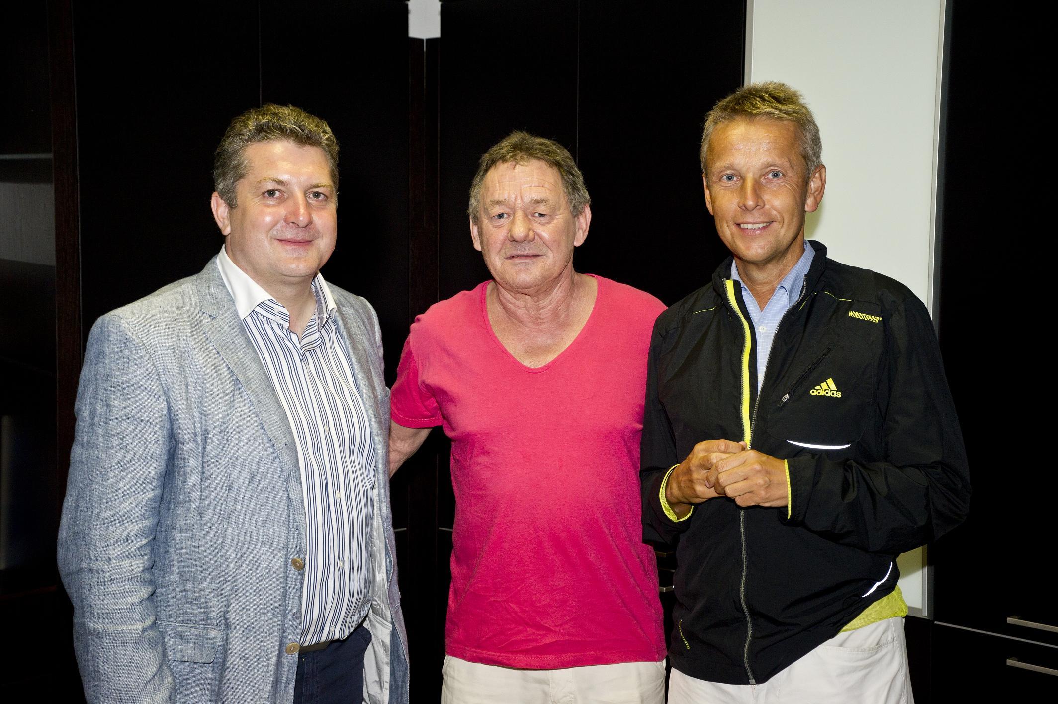 Mit Unternehmer Alexander Flechl und Austropop-Legende Wolfgang Ambros (C) Karl Scheiblhofer