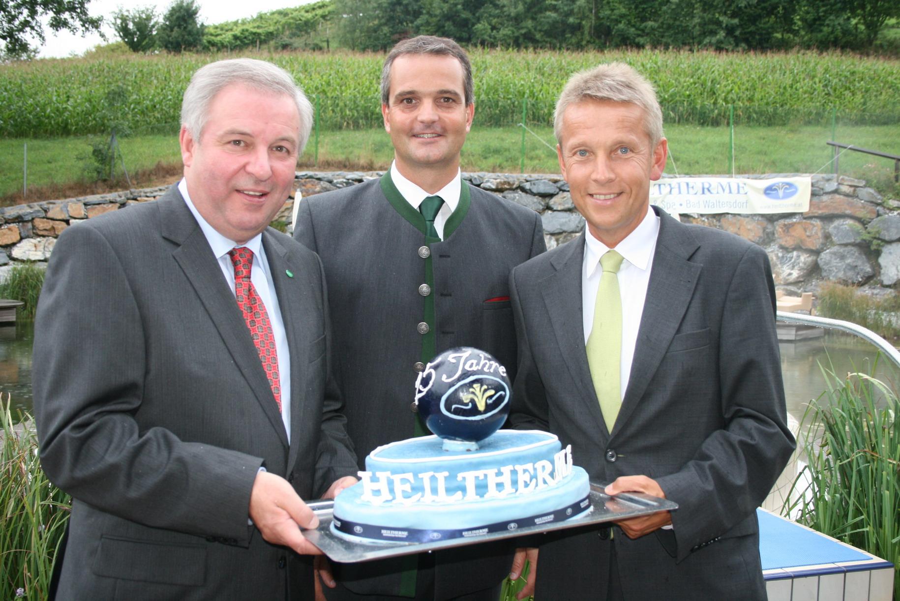 Mit LH-Stv. Hermann Schützenhöfer und Geschäftsführer Gernot Deutsch (C) Josef Lederer