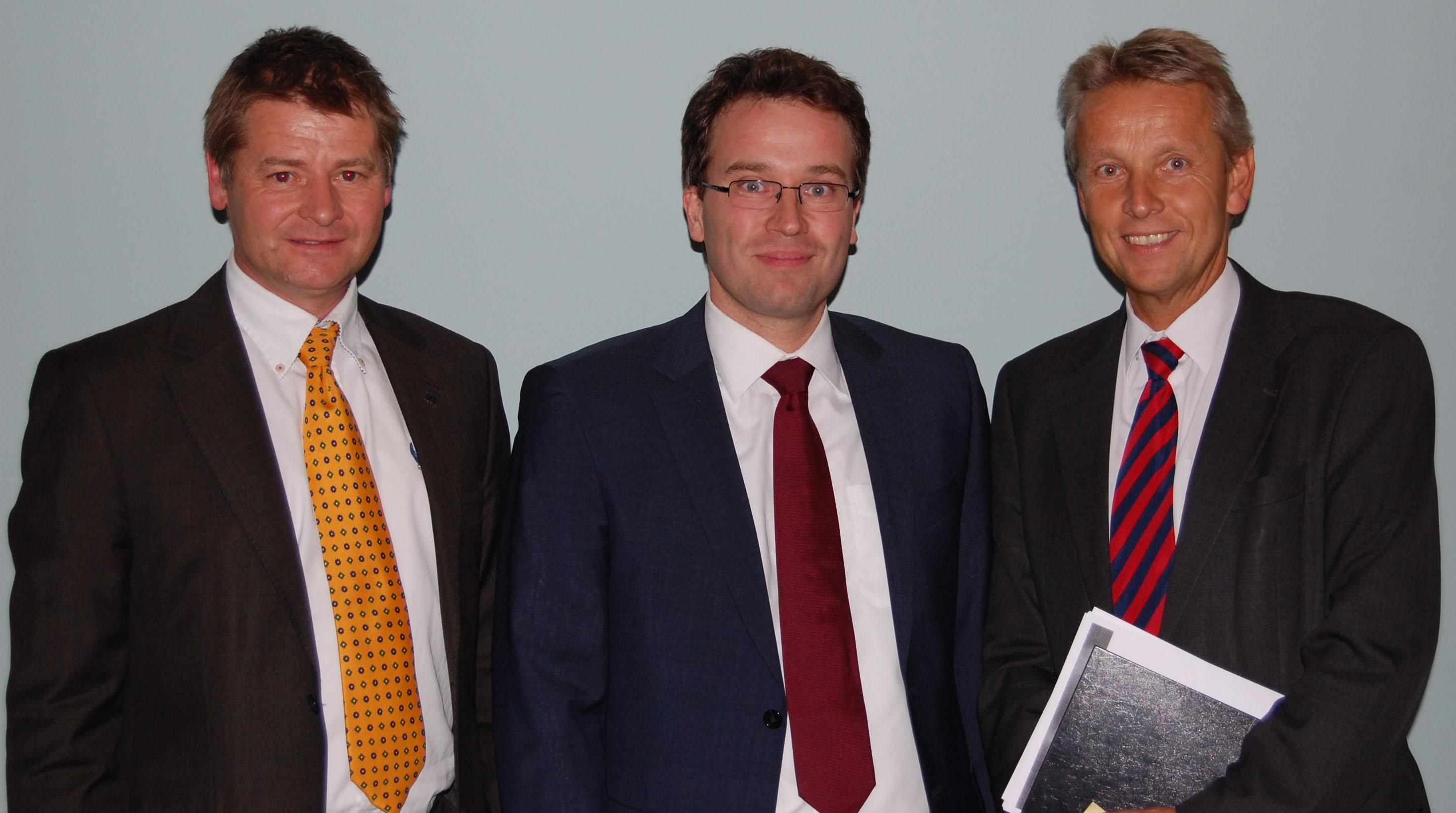 v.l.n.r.: RMO-Geschäftsführer Horst Fidlschuster, AMS-Chef Dr. Johannes Kopf