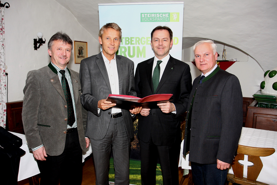 Gemeinsam mit LAbg. Hubert Lang und Kammerobmann Johann Reisinger begrüßte ich Bundesminister Niki Berlakovich