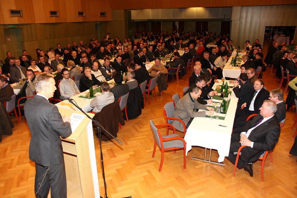 280 Delegierte beim Bezirksparteitag (C) Büro StS