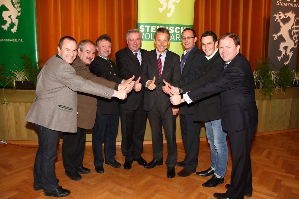 Die Bezirksparteispitze mit Hermann Schützenhöfer (C) Büro StS