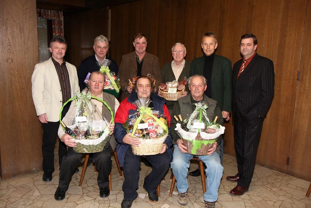 Mit den Siegern des Preisschnapesn des Seniorenbundes (C) Büro StS