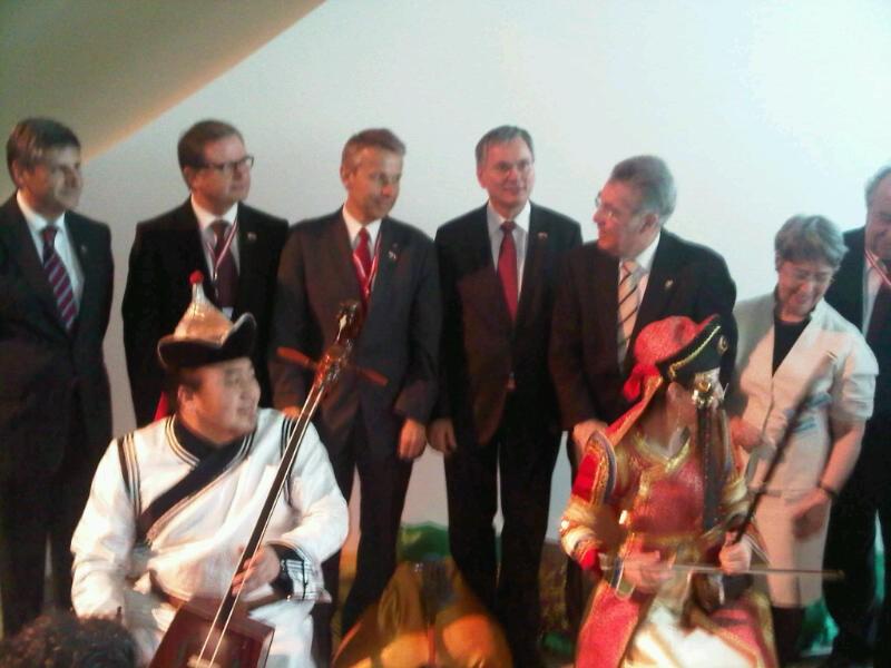 Mit Bundespräsident Heinz Fischer auf Staatsbesuch in Singapur (C) Thomas Schützenhöfer