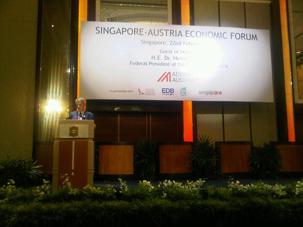 Bei der Eröffnung des Wirtschaftsforums in Singapur (C) Thomas Schützenhöfer