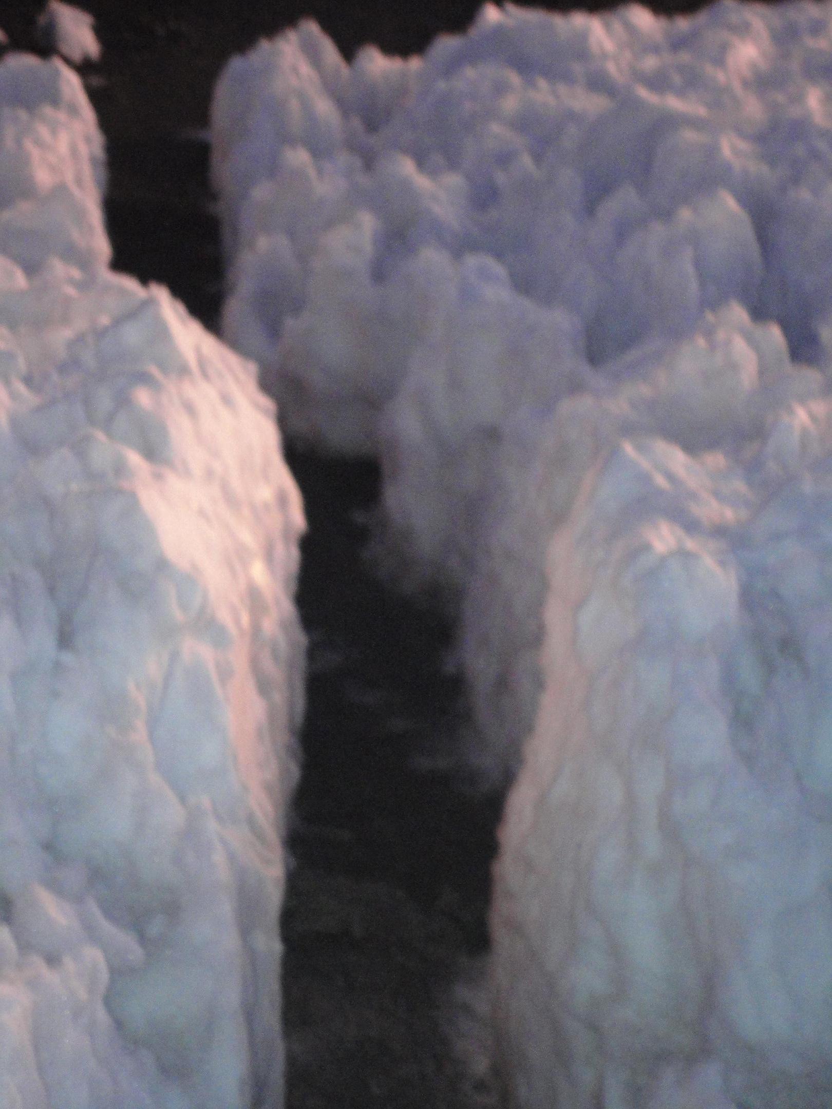 Durchgang zwischen ewigem Eis (C) privat