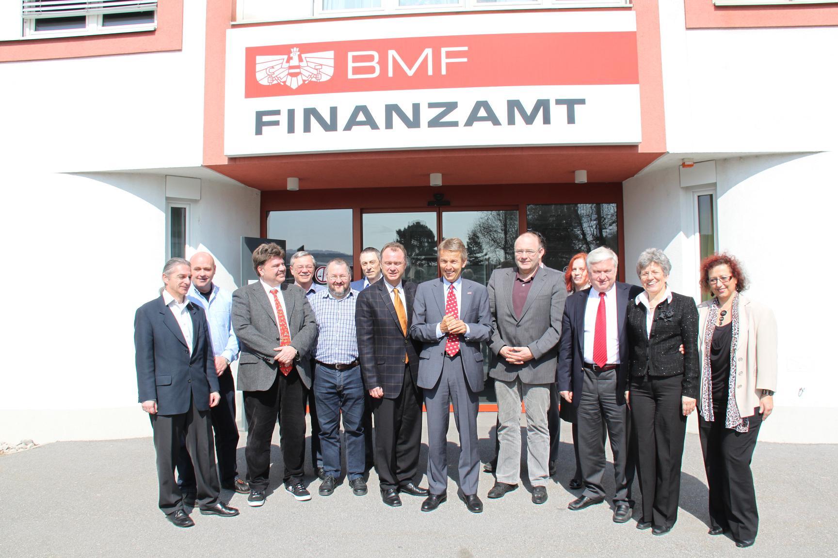 ZU Besuch im Finanzamt Mödling (C) Sven Pöllauer