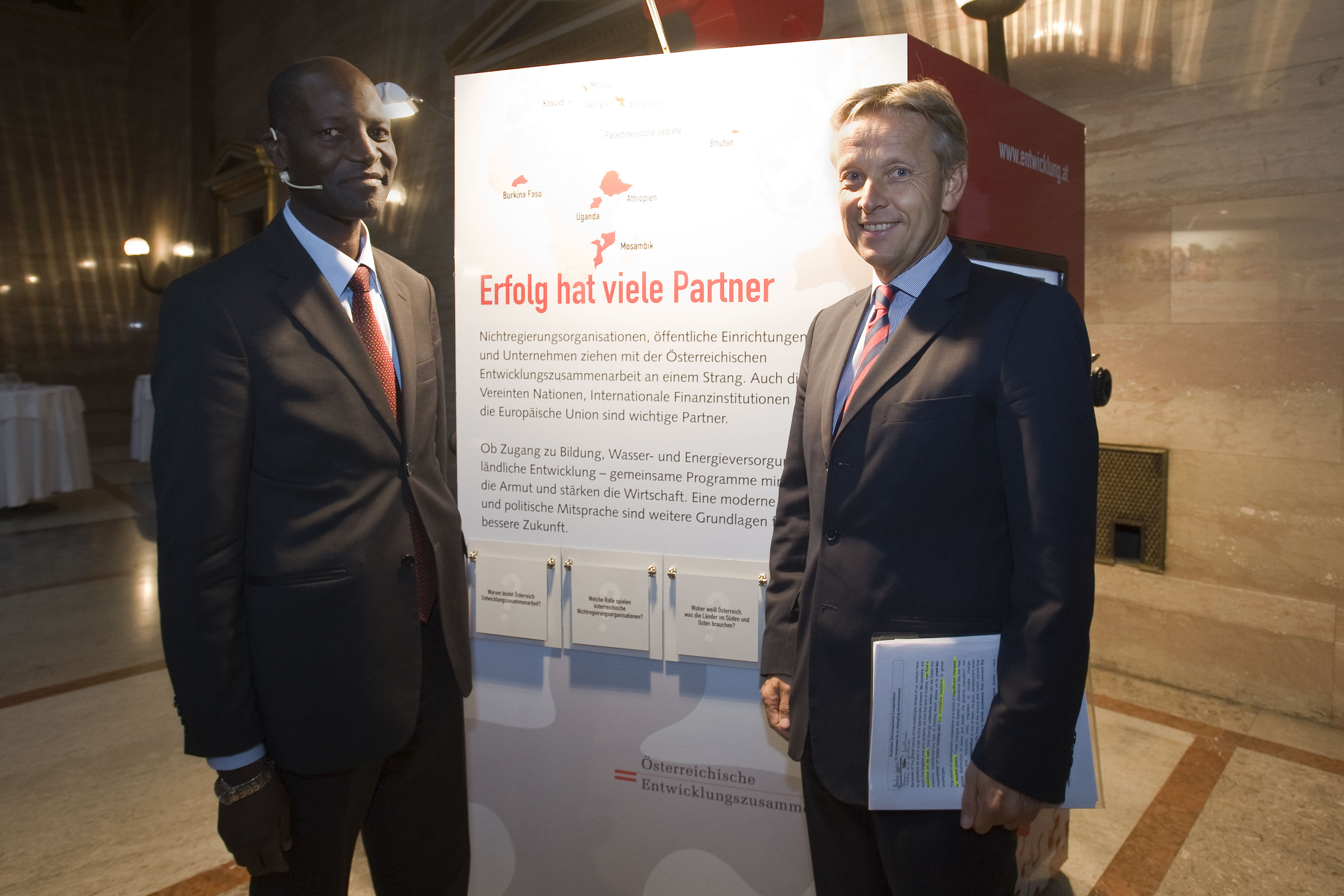 (c) BMEIA STS Lopatka mit Vize Außenminister Mozambik Banze