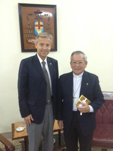 (c) BMEIA, StS Lopatka trifft katholischen Erzbischof von Hanoi, Peter Nguyen Van Nhon