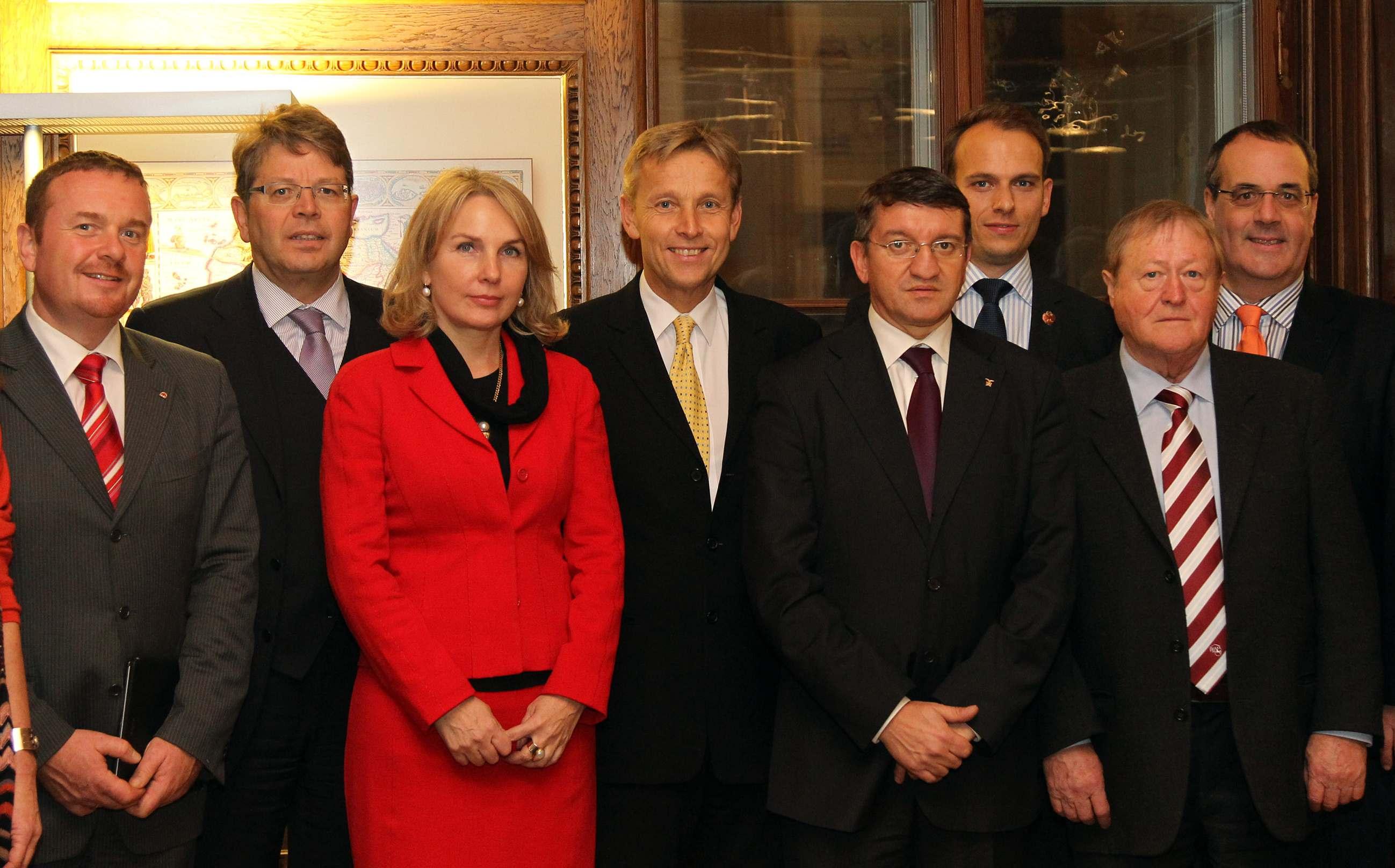 © BMEIA, STS Lopatka und die Südtiroler Delegation von Landtagspräsident Mauro Minniti und Vizepräsidentin Julia Unterberger