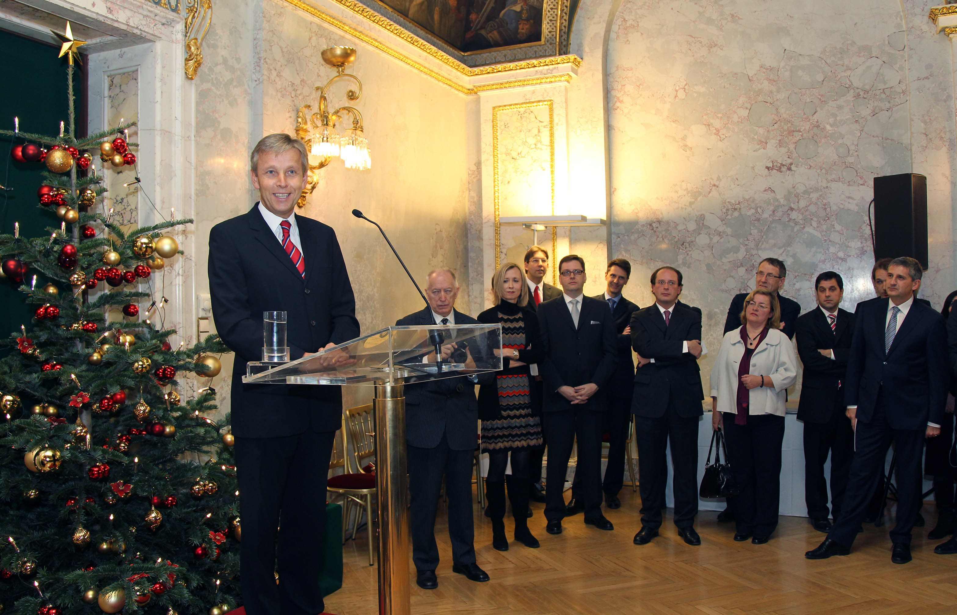 (c) BMEIA, STS Lopatka bei der Weihnachtsfeier des BMEIA