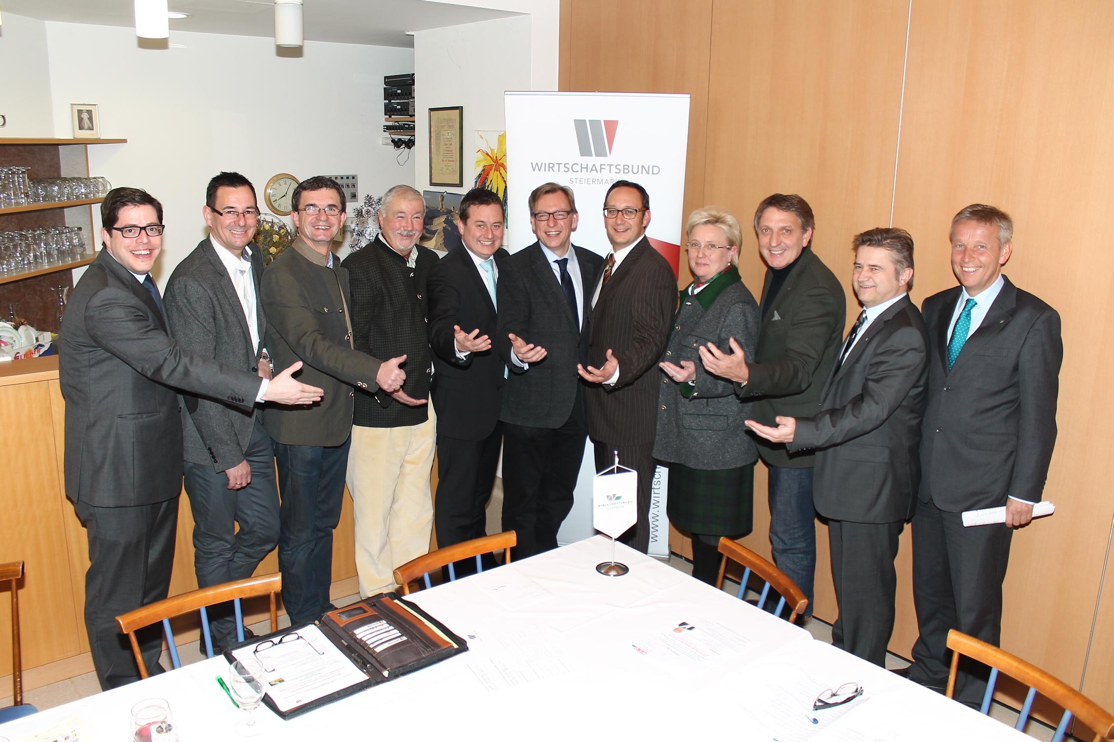 (c) BMeiA, Wirtschaftsbund-Bezirksobmann Jochen Pack im Kreis der Spitzenfunkionäre und Ehrengäste