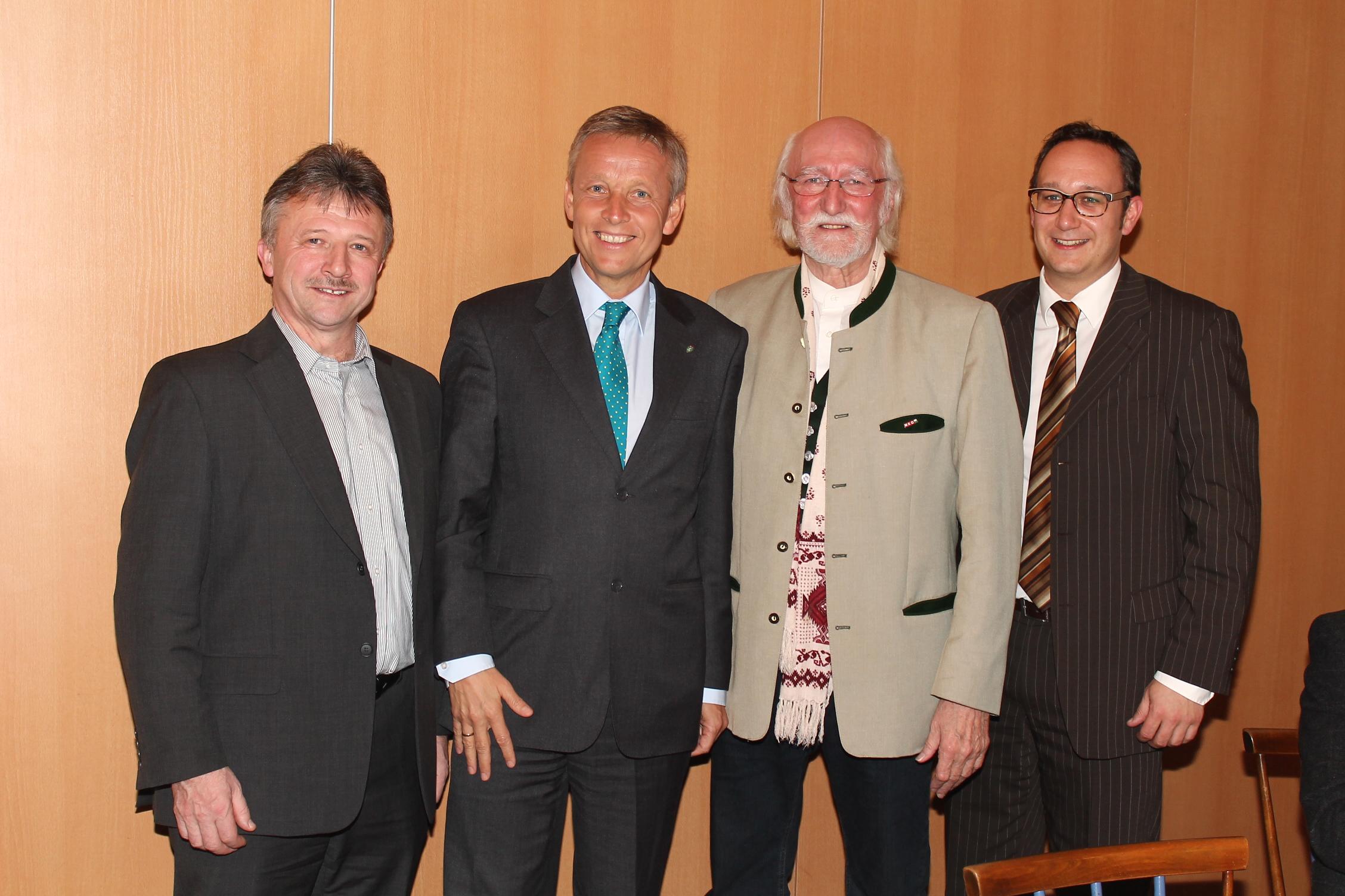 (c) BMeiA, Im Kreise zahlreicher Ehrengäste wurde WK-Obmann Sigi Breiner verabschiedet
