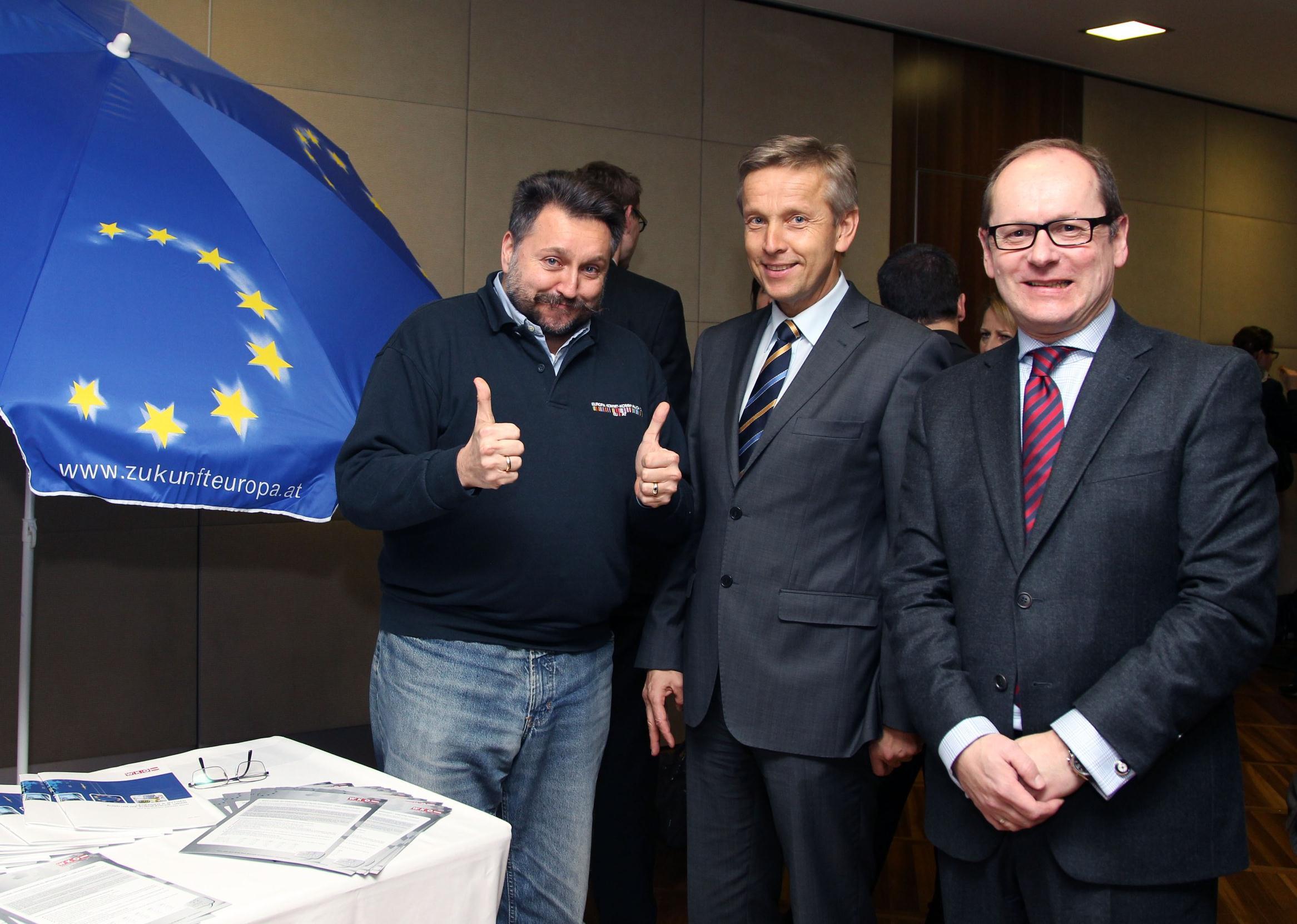 (c) STS Lopatka auf Europatour in Oberösterreich mit WKÖ Vertreter Karl-Heinz Wanker und Moderator Gerald Gross